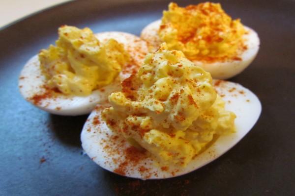 Huevos con pimentón