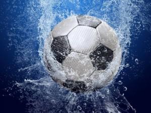 Postal: Balón en el agua