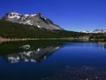 Lago en la montaña