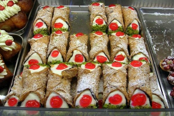 Cannoli Siciliani, un dulce típico siciliano