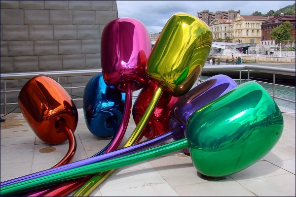 Tulipanes de Jeff Koons (Museo Guggenheim Bilbao, España)