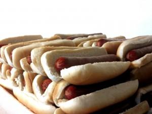 Montones de hot dogs