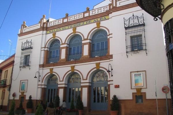 """Teatro """"Salón Gutiérrez de Alba"""", en Alcalá de Guadaíra (Sevilla, España)"""