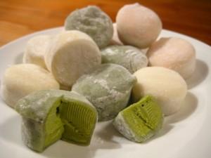 Helados de mochi (té verde, vainilla y fresa)