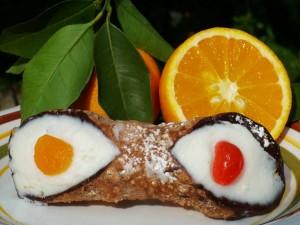 Cannolo con queso mascarpone y naranja