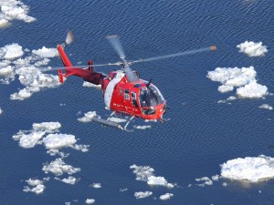 Postal: Guardia Costera Canadiense en helicóptero sobre el río San Lorenzo