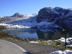 Postal: Lago Enol en Asturias, España