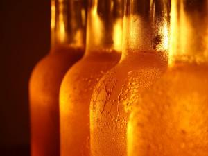 Postal: Botellas de cerveza fría