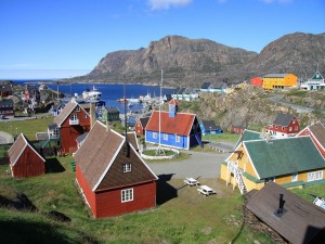 Poblado de Sisimiut en Groenlandia