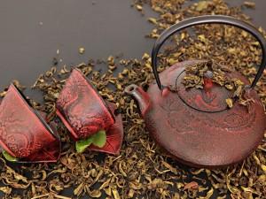 Juego de té fabricado en hierro