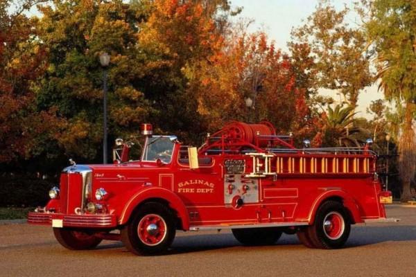 Antiguo camión de bomberos