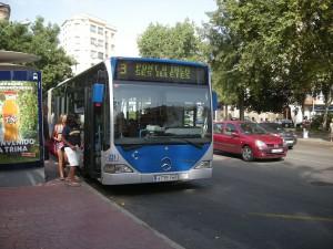 Autobús en la Plaza del Progreso, Palma de Mallorca (España)