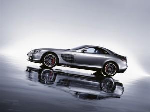 Postal: McLaren SLR