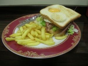 Sándwich mixto con huevo