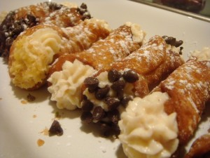 Mini cannoli con chips de chocolate