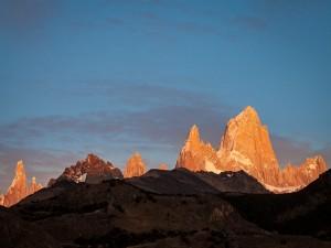 Postal: Salida del sol en El Chaltén (Patagonia, Argentina)