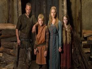 Ragnar con su mujer e hijos