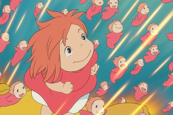 Ponyo y sus hermanas nadando hacia la superficie