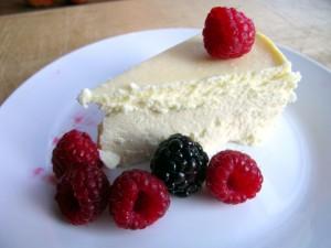 Postal: Cake de queso con frambuesas y mora