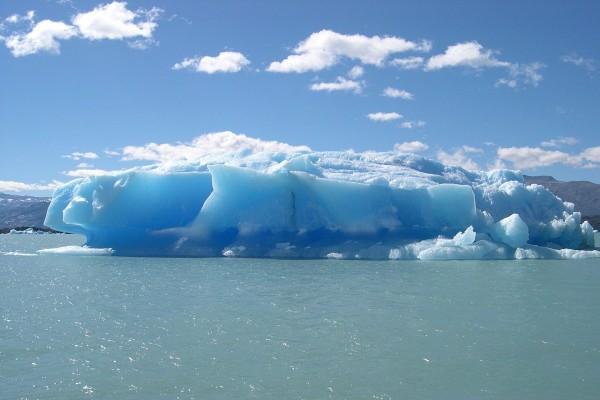 Iceberg en Lago Argentino (Argentina)