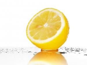 Postal: Medio limón