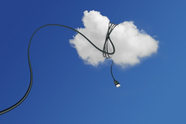 Cable enrollado en una nube