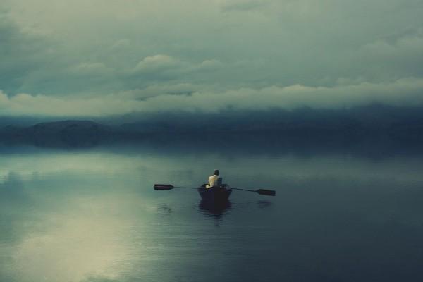 Remando en solitario