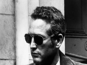 Postal: Paul Newman con gafas de sol