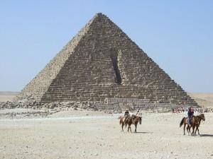 Postal: Pirámide de Micerino, Giza, Egipto