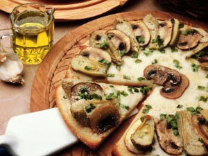 Postal: Pizza de champiñones y alcachofas