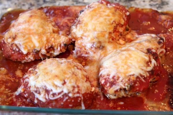 Pechugas al horno con tomate y queso