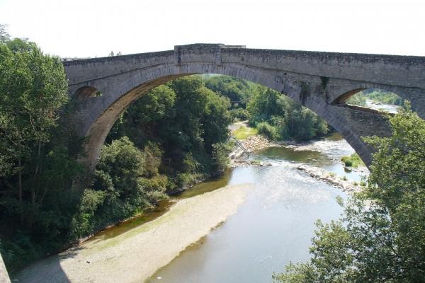 Puente del Diablo sobre el río Tec, Céret, Francia