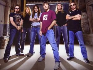 Postal: Los componentes de Iron Maiden