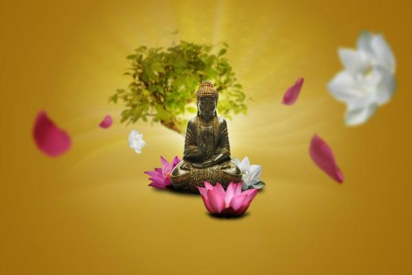 Buda rodeado de flores
