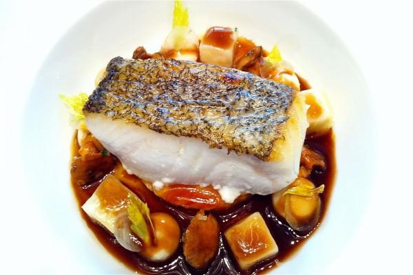 Lomo de pescado con guarnición