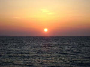 Postal: Puesta de sol en Mikonos (Grecia)