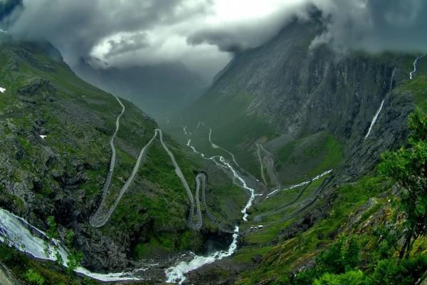 Carretera en las montañas