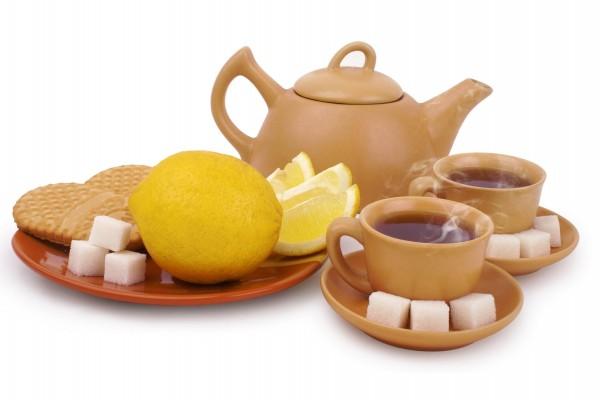 Té, limones y azucarillos