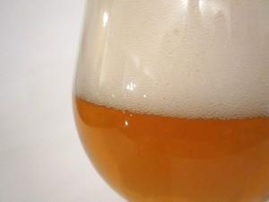 Postal: Cerveza con mucha espuma