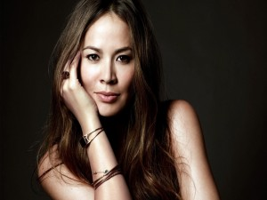 Postal: Moon Bloodgood