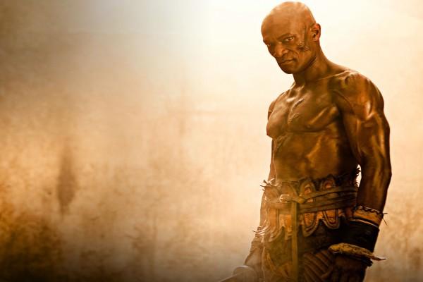 """Doctore, entrenador de gladiadores en el """"ludus"""" de Batiatus"""