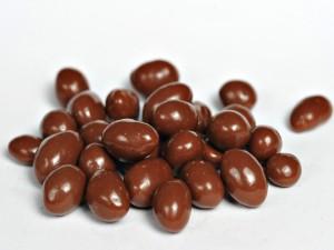 Cacahuetes cubiertos de chocolate