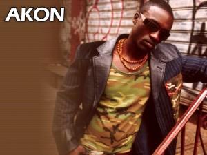 El cantante senegalés de hip hop Akon