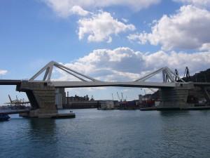 """Postal: Puente """"Porta Europa"""" en el puerto de Barcelona"""