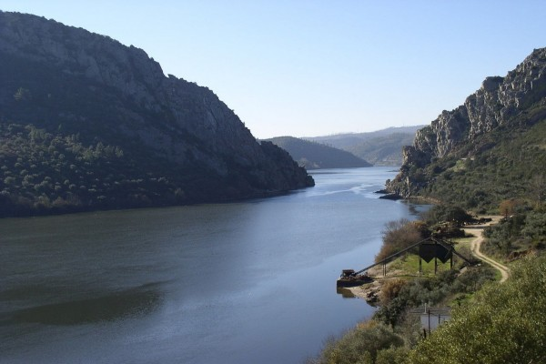 El Tajo a su paso por Vila Velha de Rodao (Portugal)