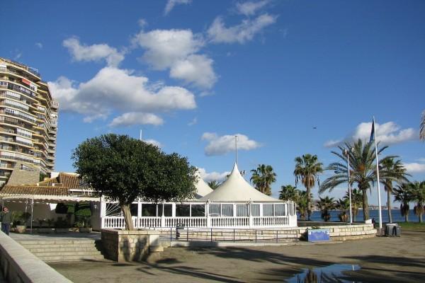 Restaurante cerca de una playa en Málaga, España