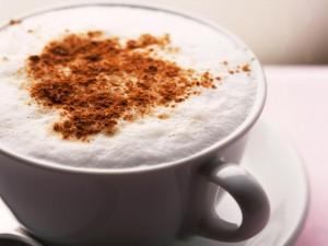Taza de café con crema