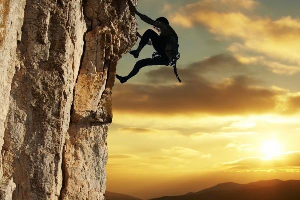 Escalando una pared vertical
