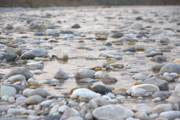Resultado de imagen de las piedras del fondo del río