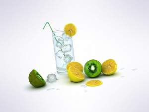 Postal: Vaso con hielos, limón y kiwi